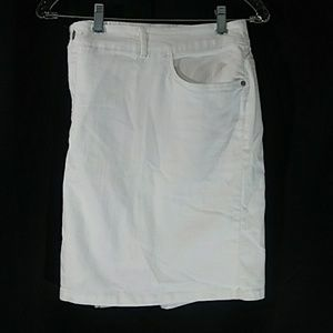 Croft Barrow Women Skort Size:24W Color : White
